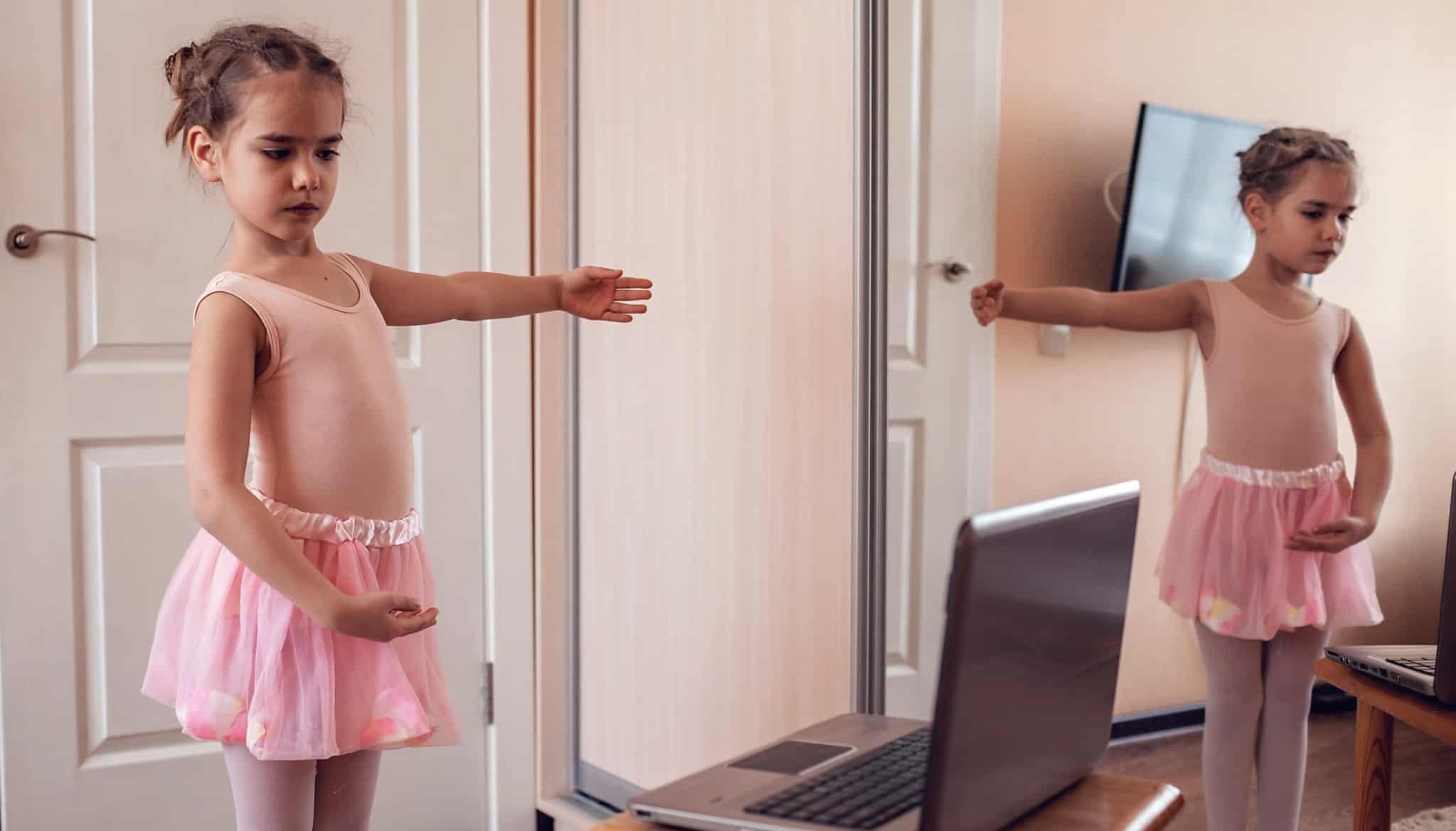 Meninas a fazer ballet
