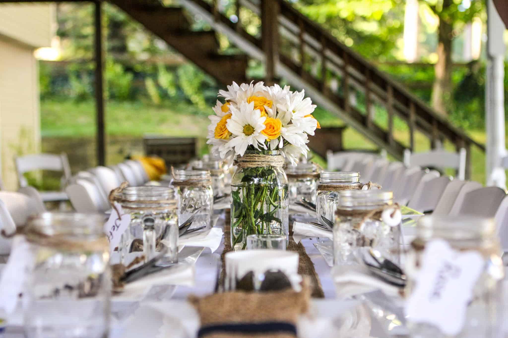 mesa corrida para um casamento